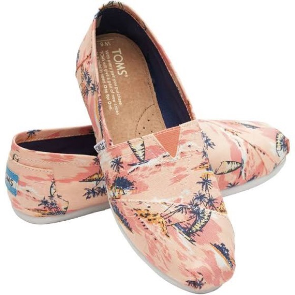 5fcdc96c2a9 TOMS Coral Canvas Printed Palms Classics Slip-Ons.  M 5a94bcbca6e3ea8680794c29. Other Shoes ...